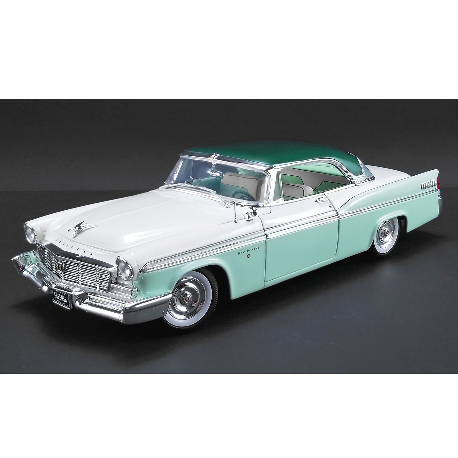 ACME - 1/18 Scale - Chrysler New Yorker St Regis (Surf Green Poly) in Cloud  White & Mint Green Diecast Scale Model Replica